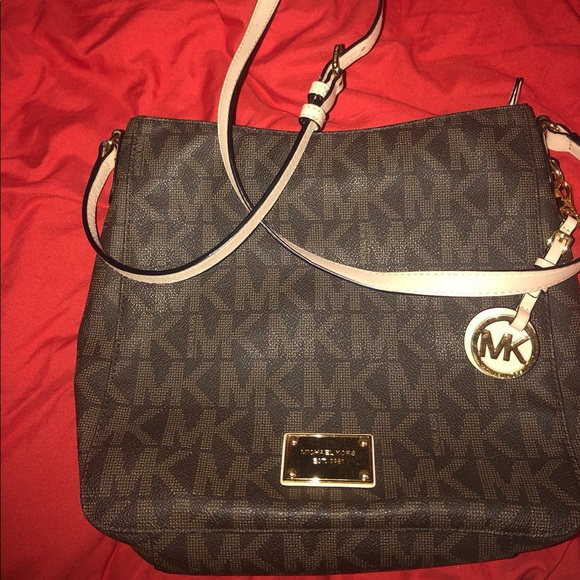 Michael Kors Handbags - Michael Kors Jet Set Travel Large Messenger